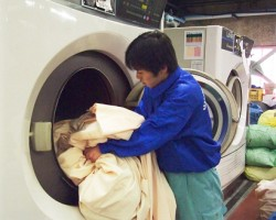 Hướng giặt rèm cửa nhanh chóng chi tiết nhất