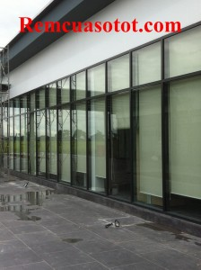 Làm rèm cuốn khu thương mại ở tòa nhà Cầu Giấy, Hà Nội 1